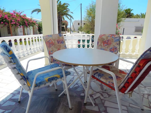 Santorini Seaside Home - Family Fully Equipped