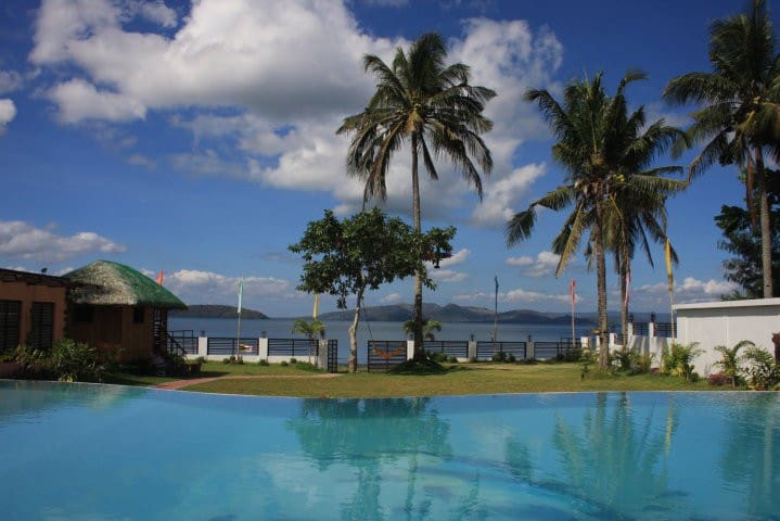 Tierra Salva Lakeview, Private House in Batangas - PH - Hus