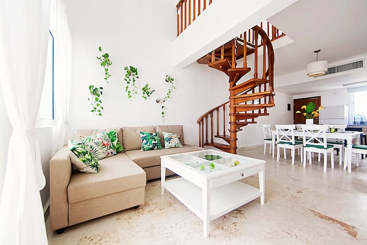 Amazing 3BR penthouse,private beach,Playa Turquesa