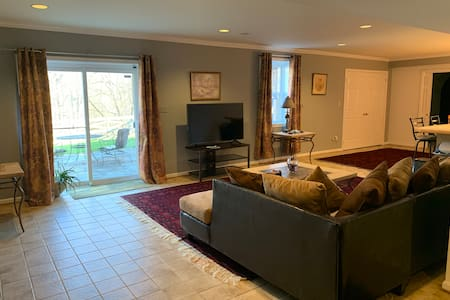 Guest Suite in Private Luxurious Basement