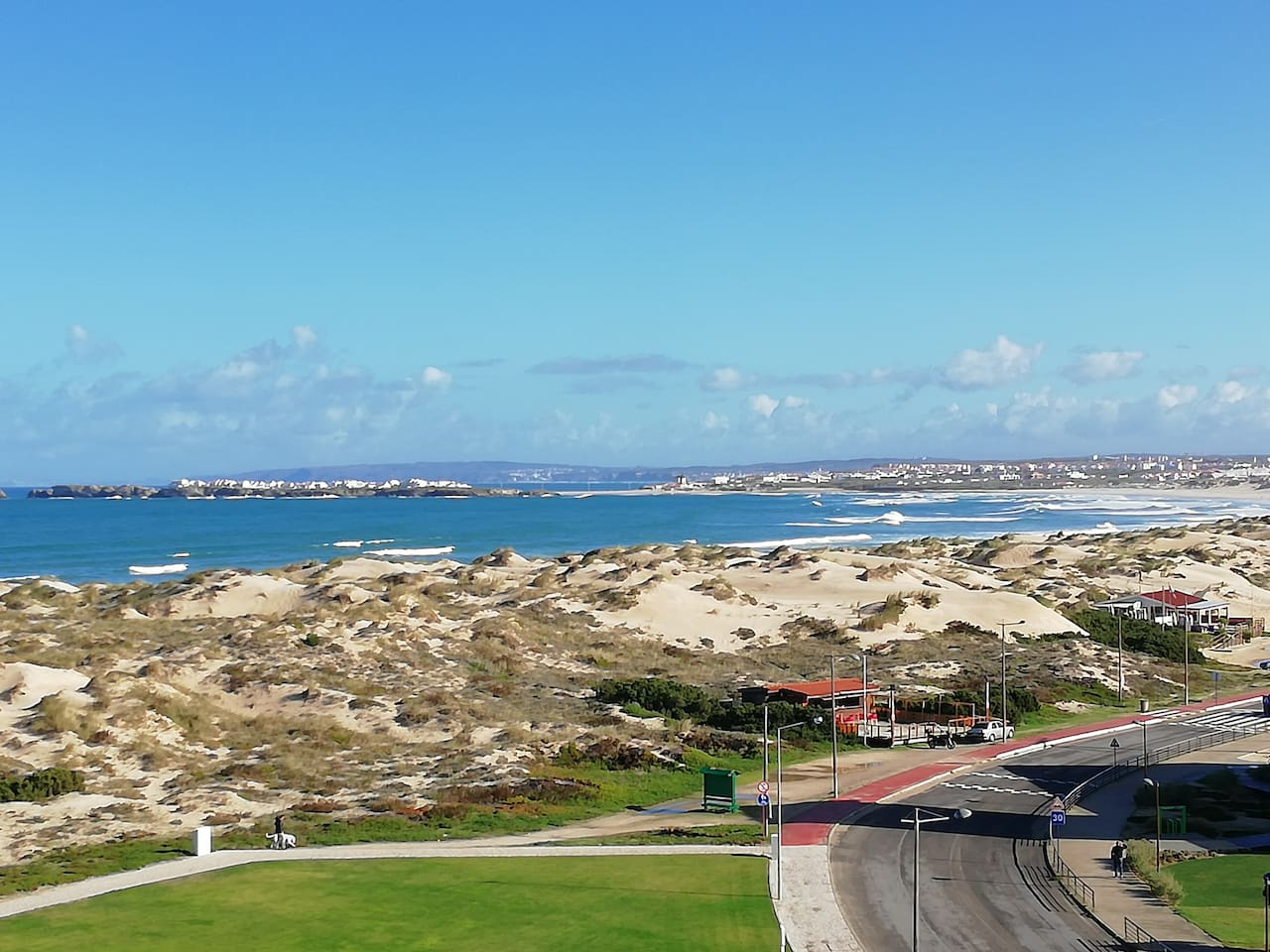Can you image: go out and find it just few steps way from 'Peniche Apartment - Sea View'. Enjoy the beach paradise with us :)