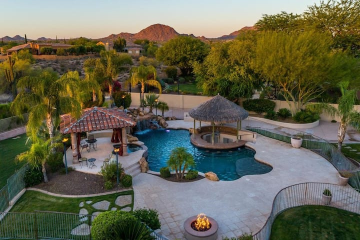 INCREDIBLE ESTATE WITH RESORT VIBES! - 7,000 SqFt!
