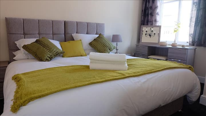Premier Accommodation - Serviced Apartments