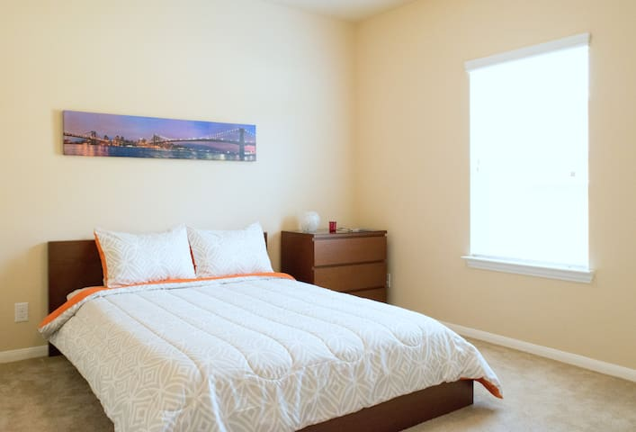 The Golden Gate Bridge Room - Queen Size Bed - Cypress - Casa