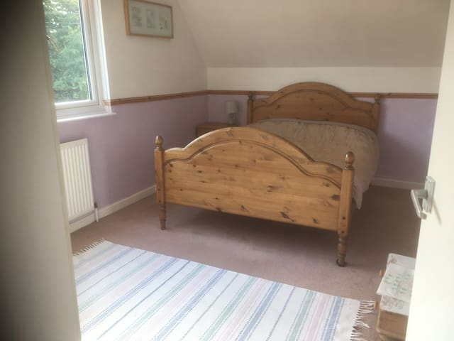 Countryside location  25 mins Stansted airport
