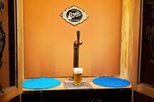 Que tal passar uma noite em uma cervejaria?