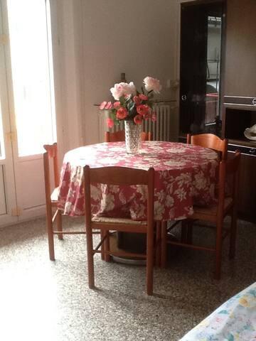 Residenza familiare a pochi passi dalla spiaggia - Riccione - Apartment