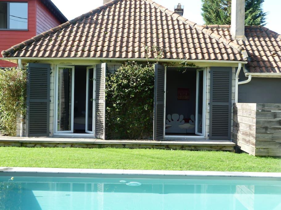 2 Chambres vue piscine