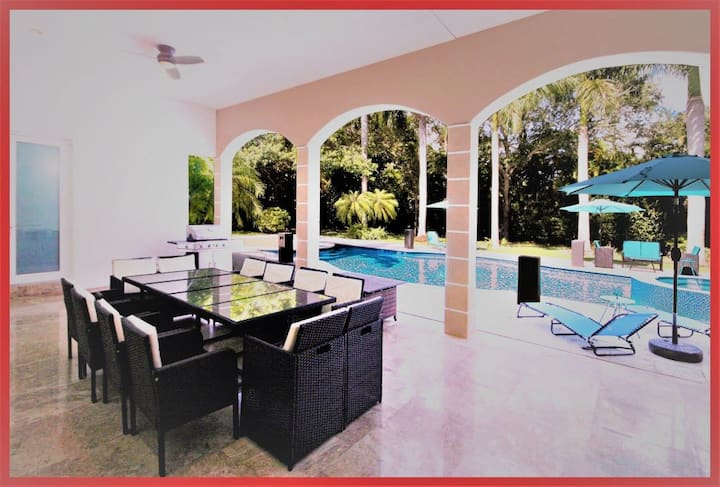 Luxurious Villa! 8BR/7.5 BA in Pinecrest FL!
