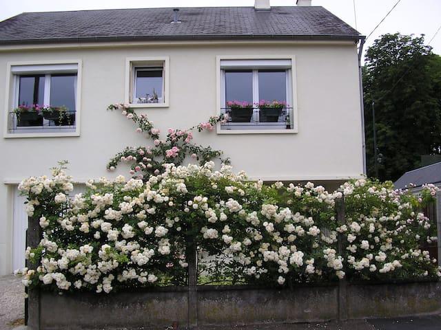 Petite maison cosy à Orléans avec joli jardin.