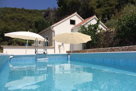 Vacation house Nina-private pool-amazing sea view - Bol - Casa