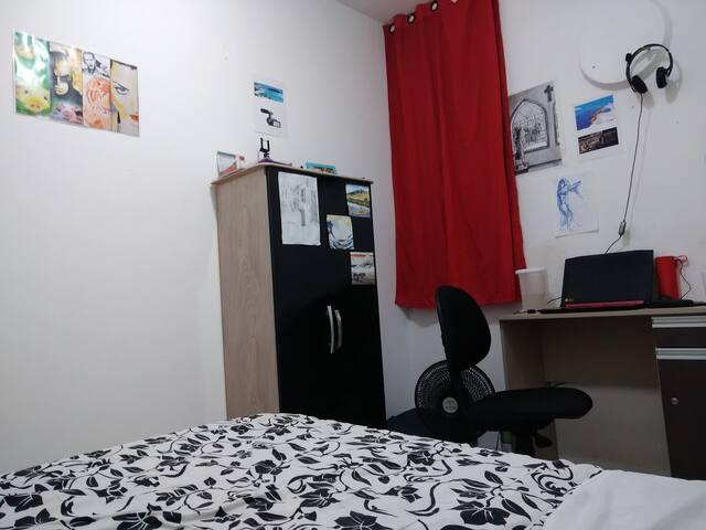 Big room next to Boa Viagem Beach, airport, mall!