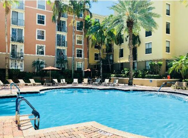 New listing price,Condo@City Place/Rosemary Sq.