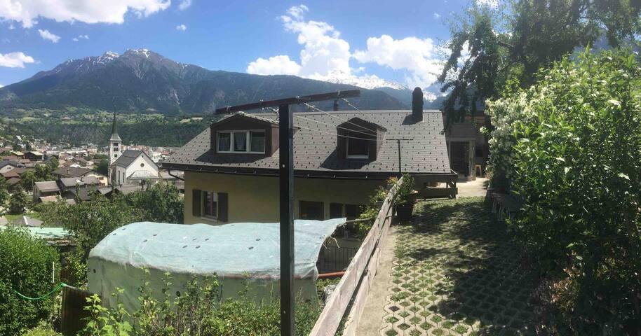 Dachwohnung mit 2 Schlafzimmer und TOP Aussicht