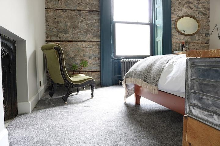 Suie Hunting Lodge - Luxury King room with ensuite