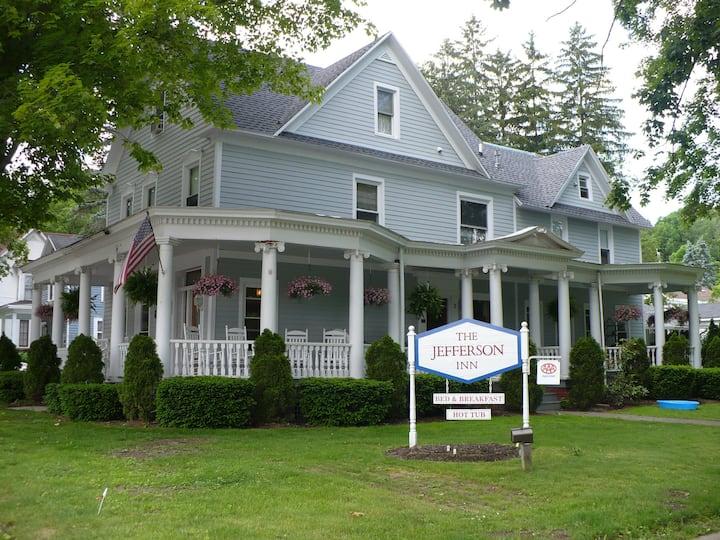 A-Darcy Unit, Pet Friendly,  Efficiency Unit/No Breakfast, Outdoor Hot Tub, Center of Village - The Jefferson Inn
