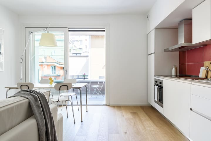 Sormani Foppa/Tortona White and chic 3P apartment