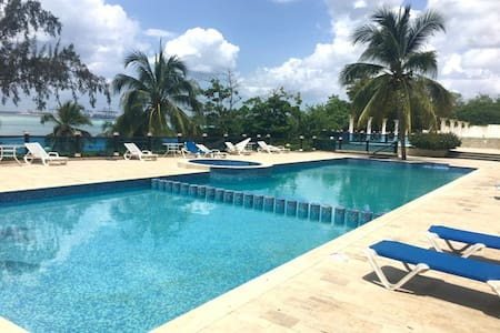 BEAUTIFUL BEACH FRONT APARTMENT - Boca Chica - Apartamento