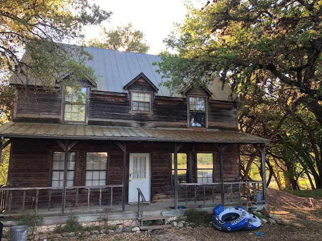 EL Rods House ON the Frio River