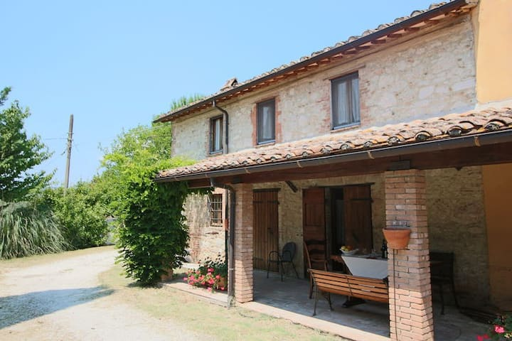 Countryhouse in Umbria 4+ people (1 hour from Rome - Amelia - Apartamento