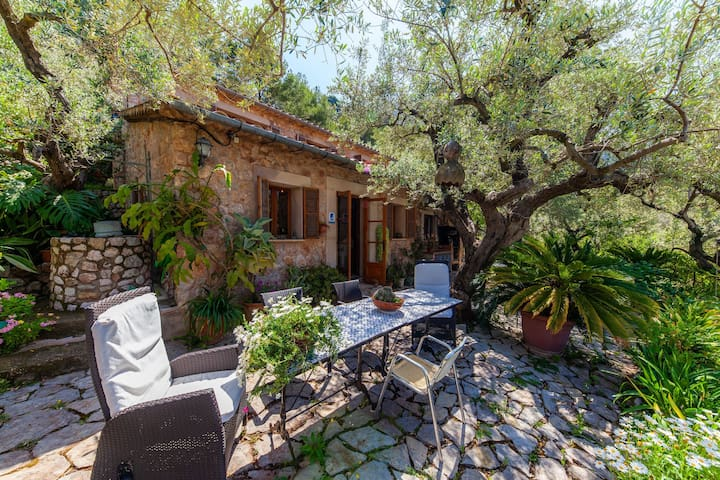 In the middle of the mountains – Casa Salva