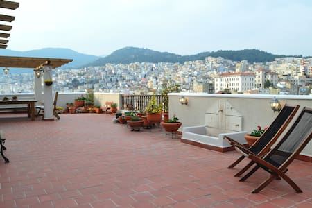 Old-Town Roof-Garden Suite