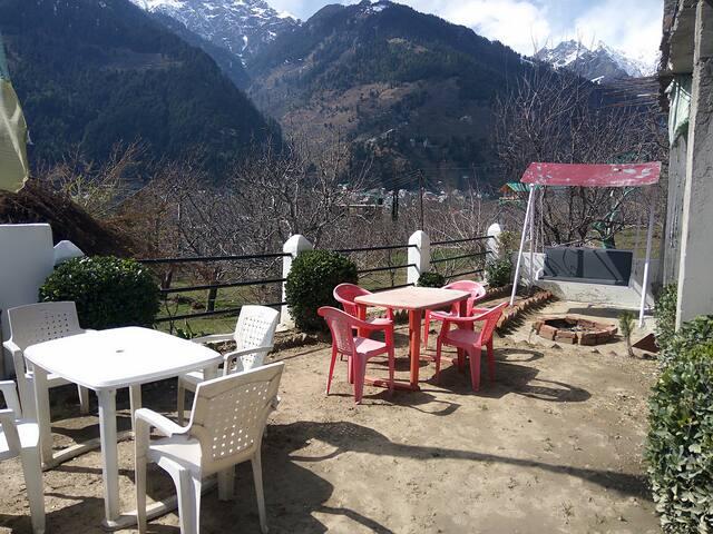 Blue mountain view homestay - Manali - Casa