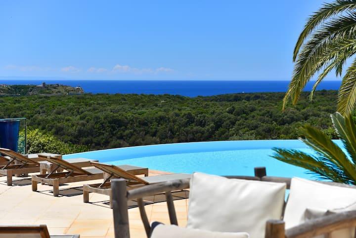 Agréable mini-villa F2 équipée, vue exceptionnelle