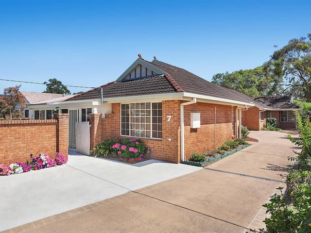 Beachliving 3B House!! In The Heart of Umina Beach - Umina Beach - Casa