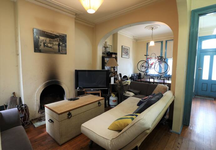 Classic Darlinghurst terrace, 1 bedroom + balcony