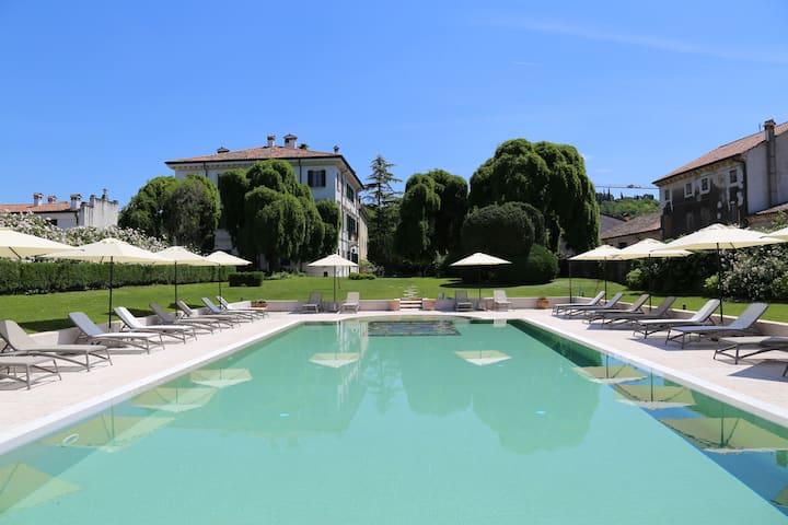 Camera Matrimoniale Vista Piscina  Villa Nichesola