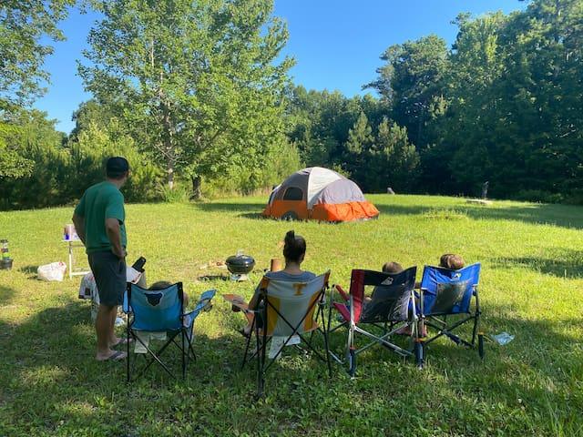 Fork Inn Log Cabin annex - hammocks & tent camping