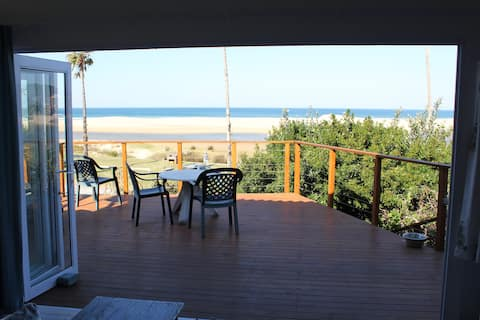 Seafield cottage overlooking beach