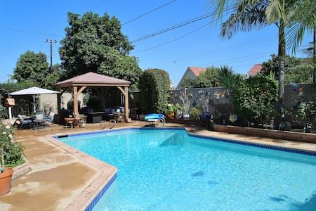 Family/pool home near beach and 20 min from Disney