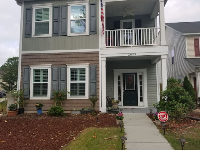 Convenient place and close to downtown and beach