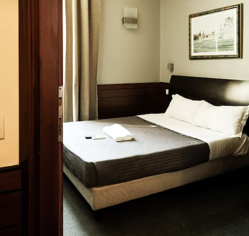 Termini Hotel Room with private bathroom 605-606