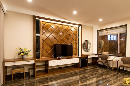 Ha Long Private Balcony Luxury Room In Centre City