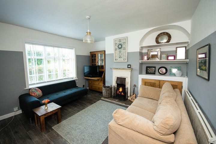 Quirky Railway Cottage