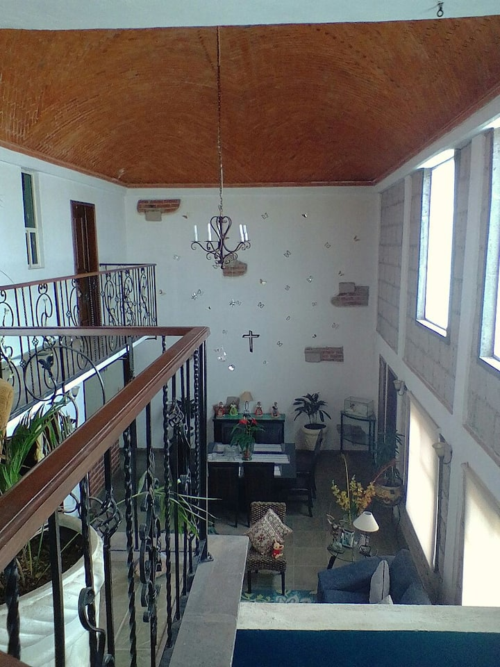 Hermosa residencia abovedada