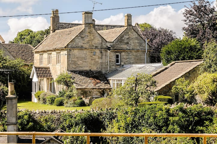 Exquisite Grade 11 Listed Chestnut Cottage - Wiltshire - Huis