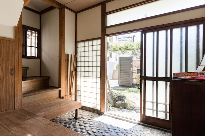 60 years old traditional Japanese wooden house - Kamakura-shi