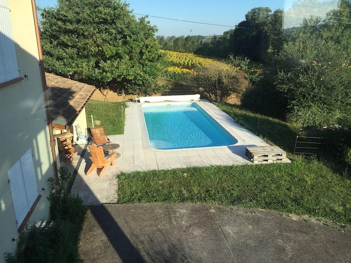 Maison en campagne proche Toulouse avec piscine