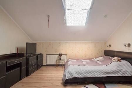 комната  в  центре - Διαμέρισμα