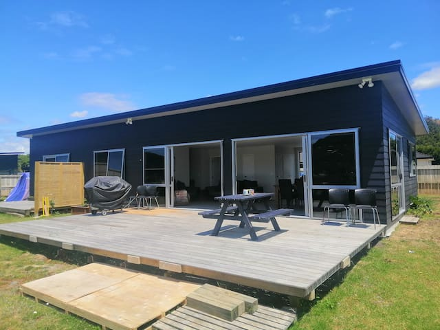 3 bedroom holiday home with stunning views