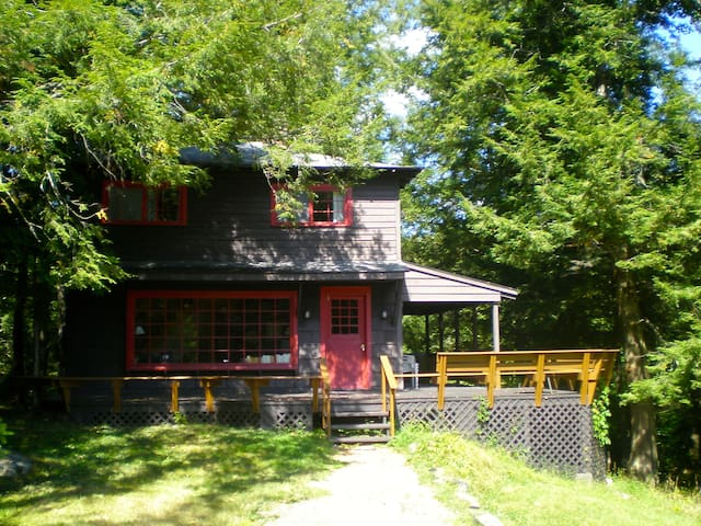 Hill Cottage in Blue Mountain Lake