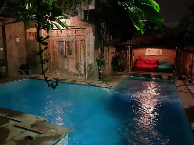 Private compound including private pool (4 person)