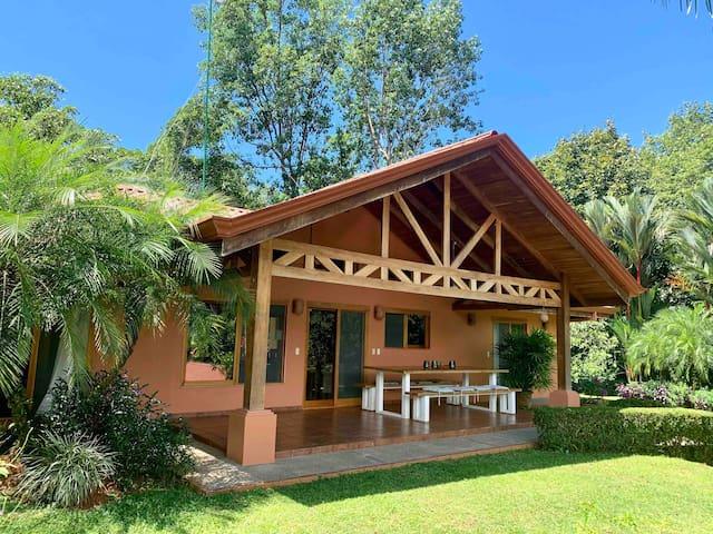 Villa Pereza - Ojochal, jungle