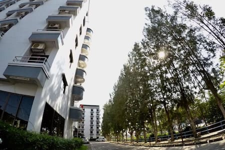 Wiangwalee Hotel & Serviced Apartment - Noen Phra - Serviceret lejlighed