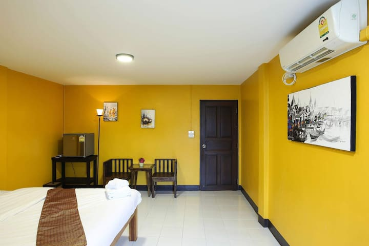 Cozy modern King bed stay in the mid of Chiangmai
