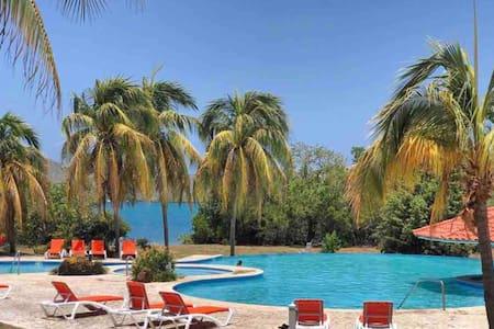 *POOL*-Studio Villa- Costa Bonita Resort-Wifi-AC